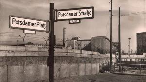 Potsdamer Platz i Berlin under Berlinmurens tid