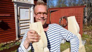 Jim med en sågbock.