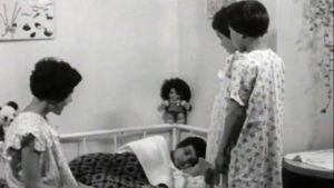 Lapsia romanien lastenkodissa Suomessa