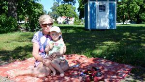 Birgitta Bruce och Ellen Karlsson
