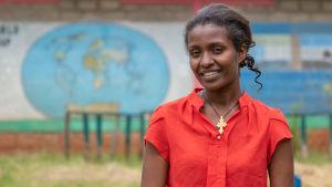 Etiopialaisen koulun opettaja