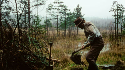 Koskelan Jussi (Risto Taulo) Väinö Linnan romaaniin pohjautuvassa elokuvassa Täällä Pohjantähden alla