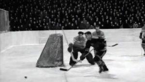 Kuva pelitilanteesta, Suomi vastaan Itä-Saksa jääkiekossa