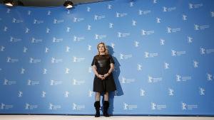 Catherine Deneuve poserar under en presskonferens vid filmfestivalen i Berlin i februari 2017