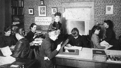 Kvinnliga astronomer som jobbar vid Harvard-observatoriet, cirka 1890.