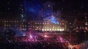 Vuosituhannen vaihteen juhlintaa Senaatintorilla 31.12.1999.