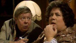 Nils Brandt och Ritva Valkama i komedin Dialog på sängkanten från år 1985.