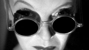 Regina Linnanheimo elokuvassa Levoton veri.