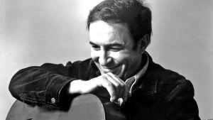 Porträttfotografi på musikern Joao Gilberto.