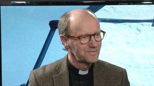 En bild från en debatt om vem som ska bli nästa biskop i borgå stift