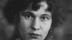 Runoilija Katri Vala