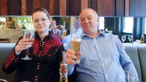 Sergei Skripal och Julia Skripal.