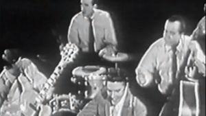 Elvis Presley esiintymässä