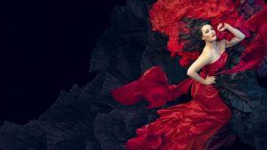 Tampereen Oopperan suurtuotanto Carmen helmikuussa 2020, julistekuva, kuvassa Carmenin roolin esittävä Niina Keitel