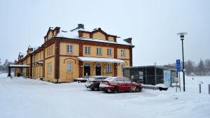 Vinterbild av gamla tullhuset i Vasa som sedan många år tillbaka fungerar som kommunalt museum för modern konst.