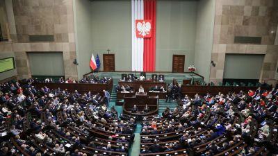 Puolan parlamentti käsitteli medialakia keskiviikkona.