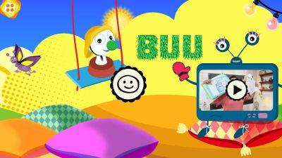 BUU-stämpeln gungar framför en tv-skärm