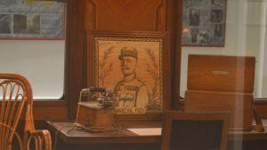 Ranskan marsalkka Foch oli vastuussa 1. maailmansodan aseleposopimuksen allekirjoittamistilaisuudesta salonkivaunussaan Compiègnen metsässä, Ranskassa, v. 1918.