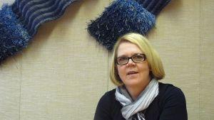 Det som behövs är snabba åtgärder innan de unga hinner vara arbetslösa alltför länge, säger Margita Lukkarinens om är vd på Kokkotyö-stiftelsen.