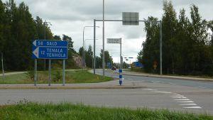 Korsningen vid Tenalavägen och riksväg 25