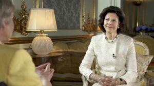 Elisabeth möter: Drottning Silvia