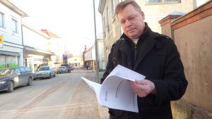 De grönas Marko Reinikainen tycker förvaltningsstadgan bara behöver små justeringar.