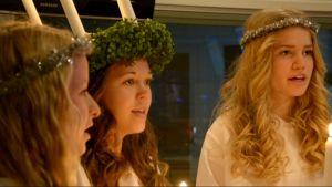 Ekenäs Lucia 2013 Ronja Karlsson och tärnorna Emma Korpinen och Emilie Rancken.