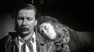 Matti Pellonpää ja Evelyn Didi Boheemielämässä.