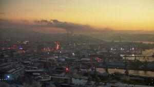 Murmansk har 300 000 invånare.