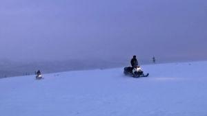 Gränsbevakare patrullerar i Urho Kekkonens nationalpark i Lappland.