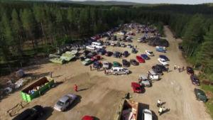 Bilar som hade konfiskerats av asylsökande som kom via Ryssland  auktionerades ut sommaren 2016.