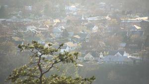 Petersburg ligger inbäddad i en dal mellan kullarna i West Virginia.