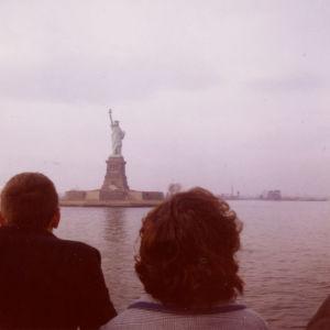 New Yorkin Vapaudenpatsas laivasta nähtynä 1960.