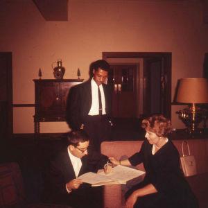 Meri Louhos ja säveltäjien klubin jäseniä Eastmanissa 1960.