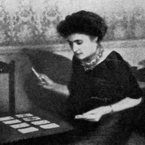 Oopperalaulaja Aino Ackté Lontoossa 1910.