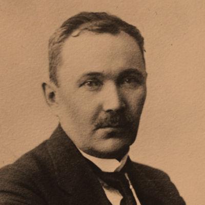 Runoilija Eino Leino heinäkuussa 1918