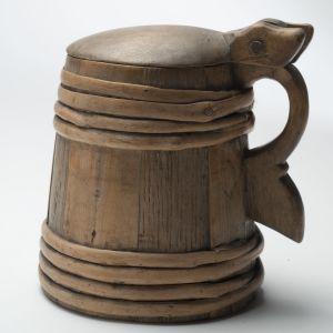 Ölstop i trä från år 1760.