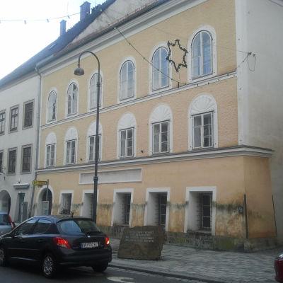 Huset i den österrikiska staden Braunau där Adolf Hitler föddes.