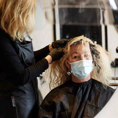 Ön Bornholm var den enda plats i Danmark där frisörerna fick hålla öppet under nedstängningen på grund av coronaviruset