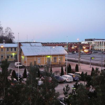 Karis järnvägsstation en novembermorgon.
