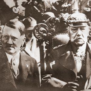 Adolf Hitler ja Paul von Hindenburg