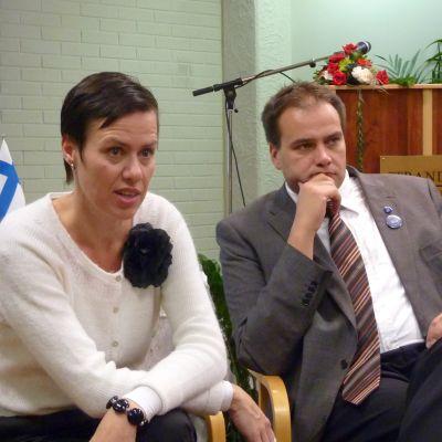 Maarit Feldt-Ranta och Steven Frostdahl debatterade kommunreformen