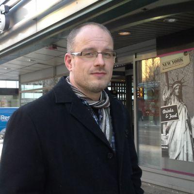 Matti Kankaanniemis företag Suomen terveysravinto säljer D-vitamin.