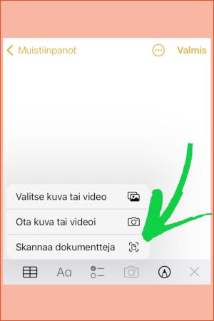 Kuvakooste iPhonen näytön kuvakaappauksista: Skannaaminen Muistiinpanot-sovelluksella, kuvassa kaksi askelta.