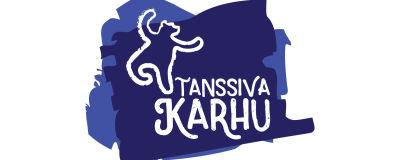 Tanssiva karhu -runopalkinnon logo, jossa karhu tanssii sinisellä pohjalla