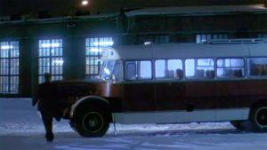 Linja-auto v. 1959 rikossarjan lavastuksessa
