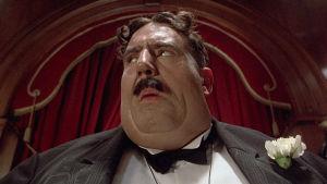 Terry Jones on Mr. Creosote elokuvassa Monty Python – Elämän tarkoitus