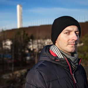 MOT:n haastattelema rakennustyömies Ilir.