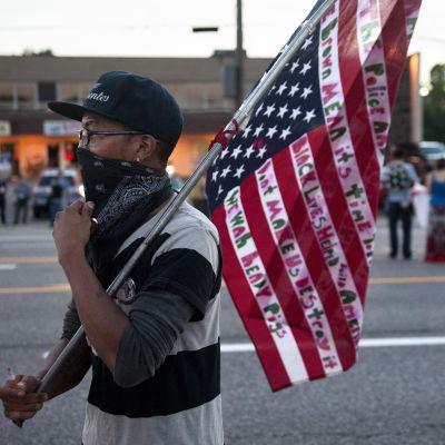Demonstrationer till minne av dödsskjutningen av Michael Brown i Ferguson i USA.