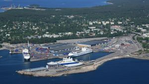 Flygfoto över Västra hamnen i Hangö.